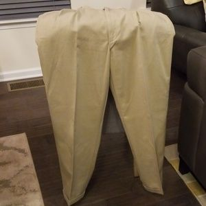 Men's khakis. EUC 36x32